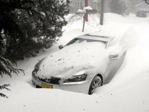 Nemo at his worst. This Lexus GS 350 has AWD, but it didn't budge for 48 hours.