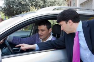 car-salesman-buyer-icon