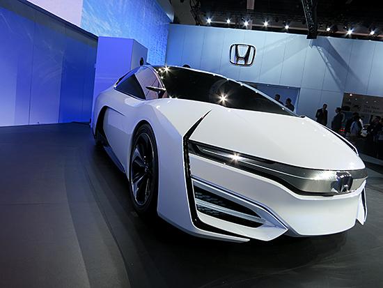 Honda-FCEV-front