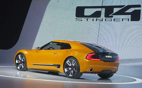 Kia-Stinger-rear