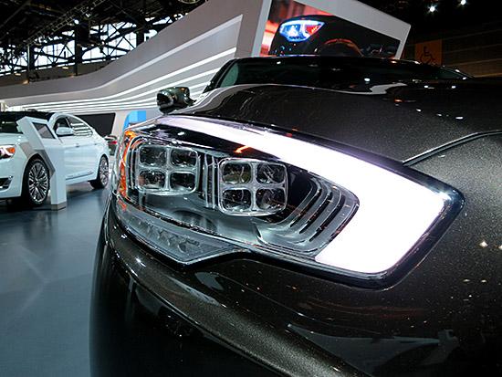 Kia-Cadenza-LED