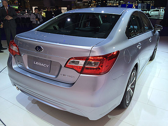 Subaru-Legacy-2015-rear-550