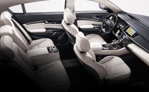 2015 K900 interior