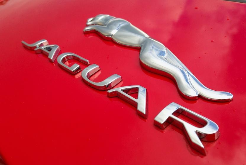 2015-jaguar-f-type-emblem-bestride