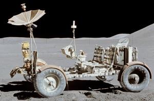 Apollo-15-lunar-rover-bestride1