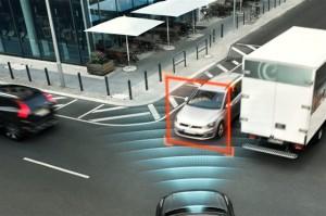 Auto-brake-at-intersection-volvo-bestride