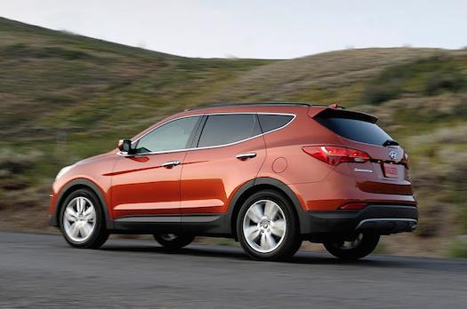 2014-Hyundai-Santa-Fe-Rear-Bestride