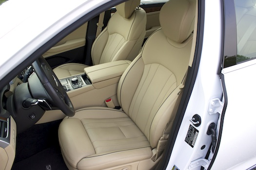 2015-Hyundai-Genesis-AWD-Seats-small-Bestride