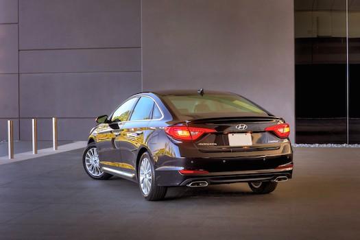 2015-Hyundai-Sonata-Rear-Bestride