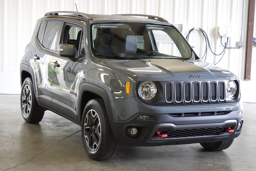 2015-Jeep-Renegade-Preview-Front-Bestride