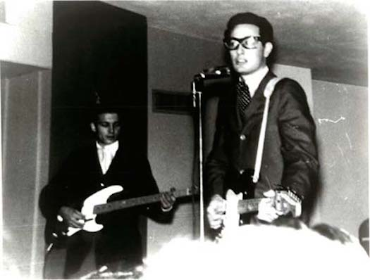 Buddy-Holly-Waylon-Jennings-Bass-Bestride