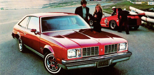 GM-Framingham-Cutlass-bestride