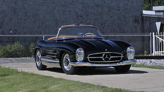 Mecum-Auctions-Monterey-Mercedes-525-bestride