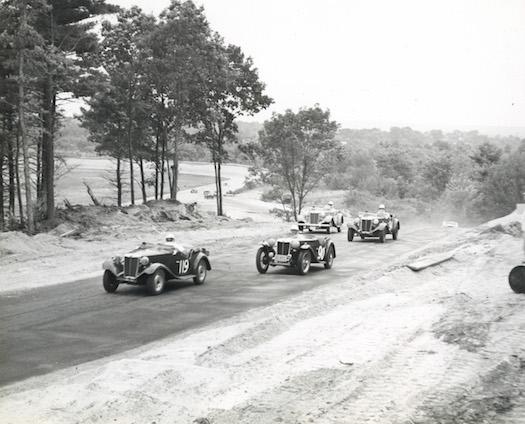 Thompson-Speedway-Vintage-Racing-Bestride