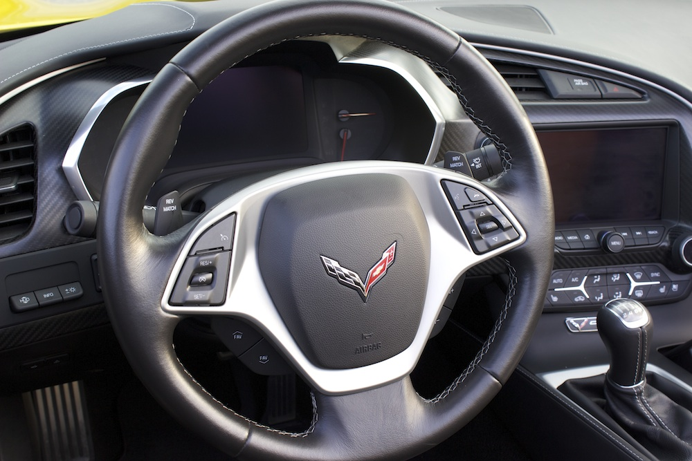 2014-Corvette-Steering-Wheel-Bestride