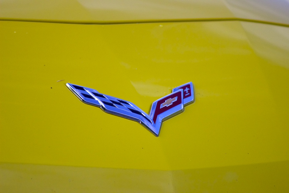2015-Chevrolet-Corvette-Emblem-LARGE-Bestride