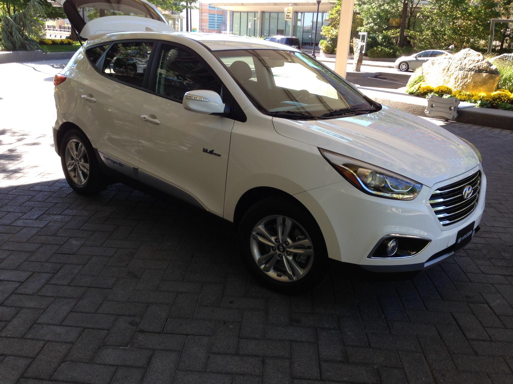 2015 Hyundai Tucson Fuel Cell 1