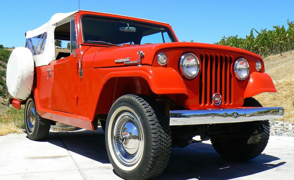 1967-Jeepster-Commando-4x4-For-Sale-Red-Dauntless-940x576
