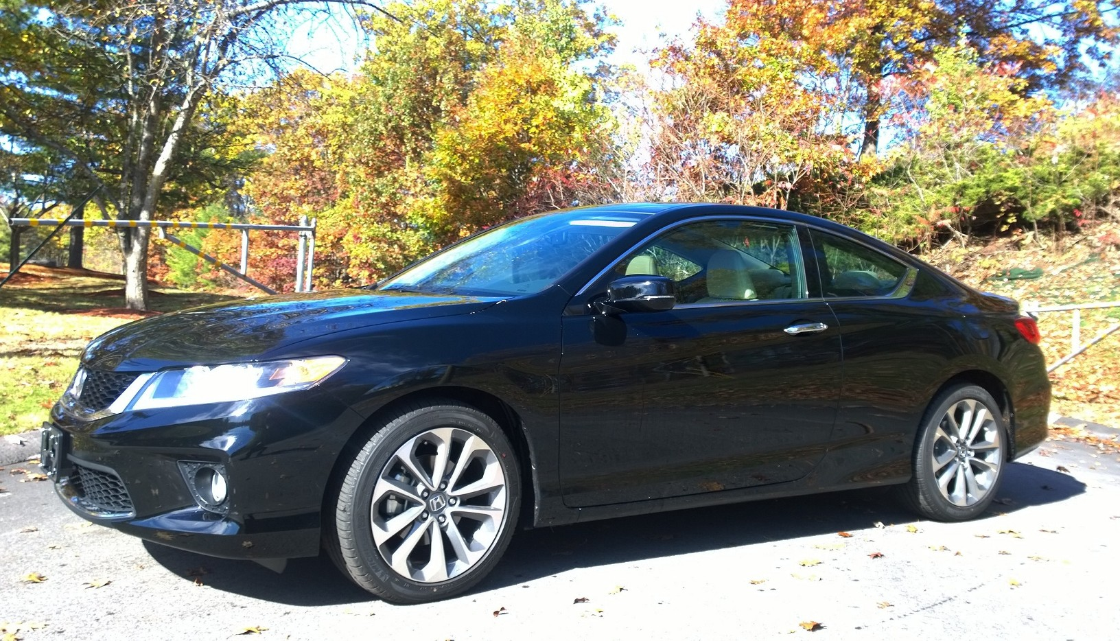review 2015 honda accord coupe is the sexy honda bestride. Black Bedroom Furniture Sets. Home Design Ideas