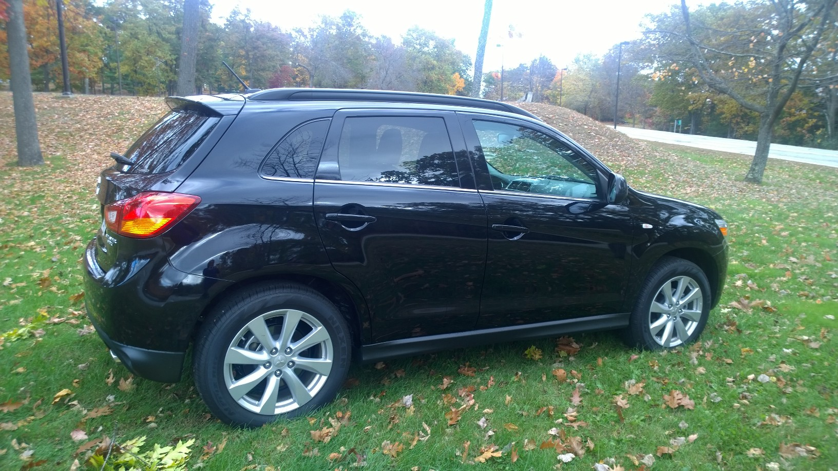 2015 Misubishi Outlander Sport Rear Quarter