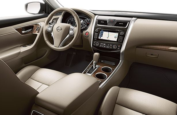 2015 nissan altima vs 2015 honda accord autos post. Black Bedroom Furniture Sets. Home Design Ideas