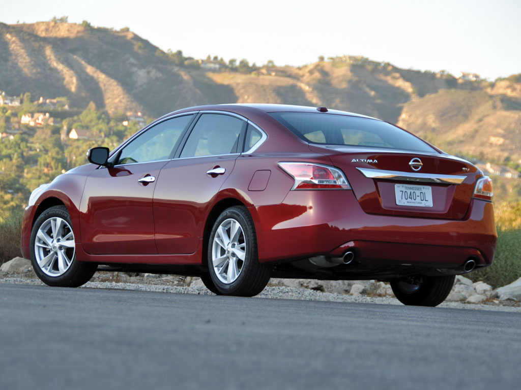 2015 Nissan Altima Rear