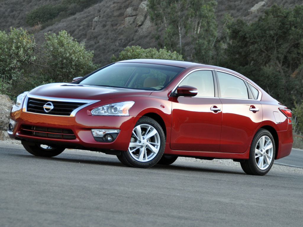 review 2015 nissan altima bestride. Black Bedroom Furniture Sets. Home Design Ideas