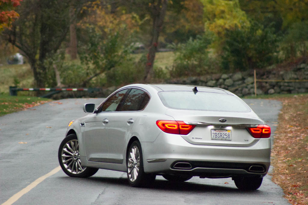 REVIEW: 2015 Kia K900 – Luxury Without the Price Tag - Blogs