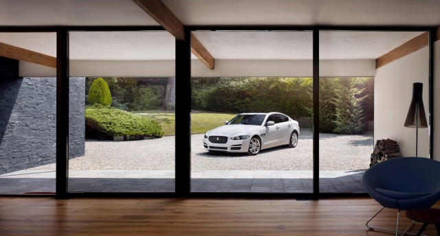 Paris-Auto-Show-Jaguar-XE-Bestride