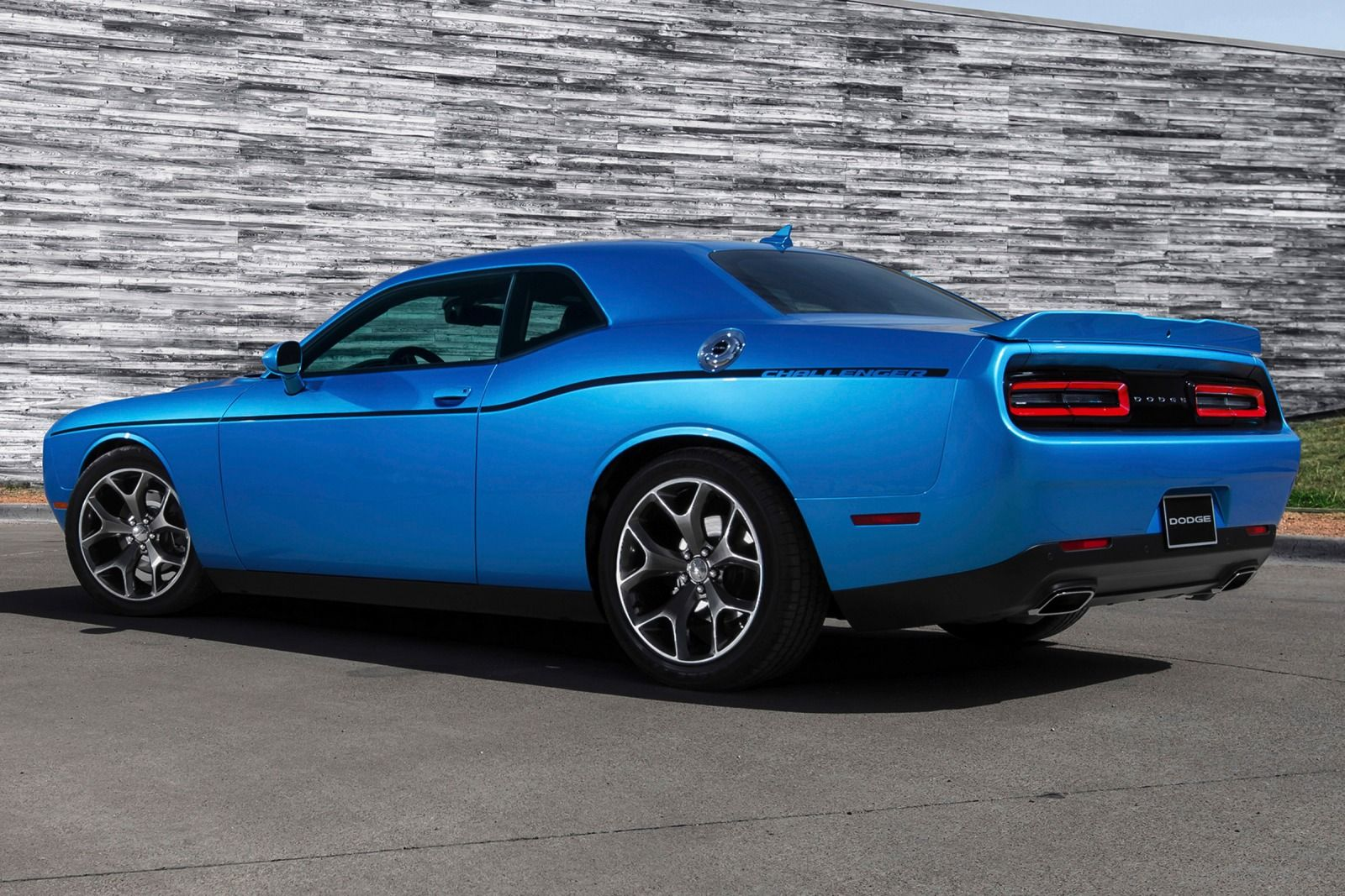 2015 Dodge Challenger SXT rear