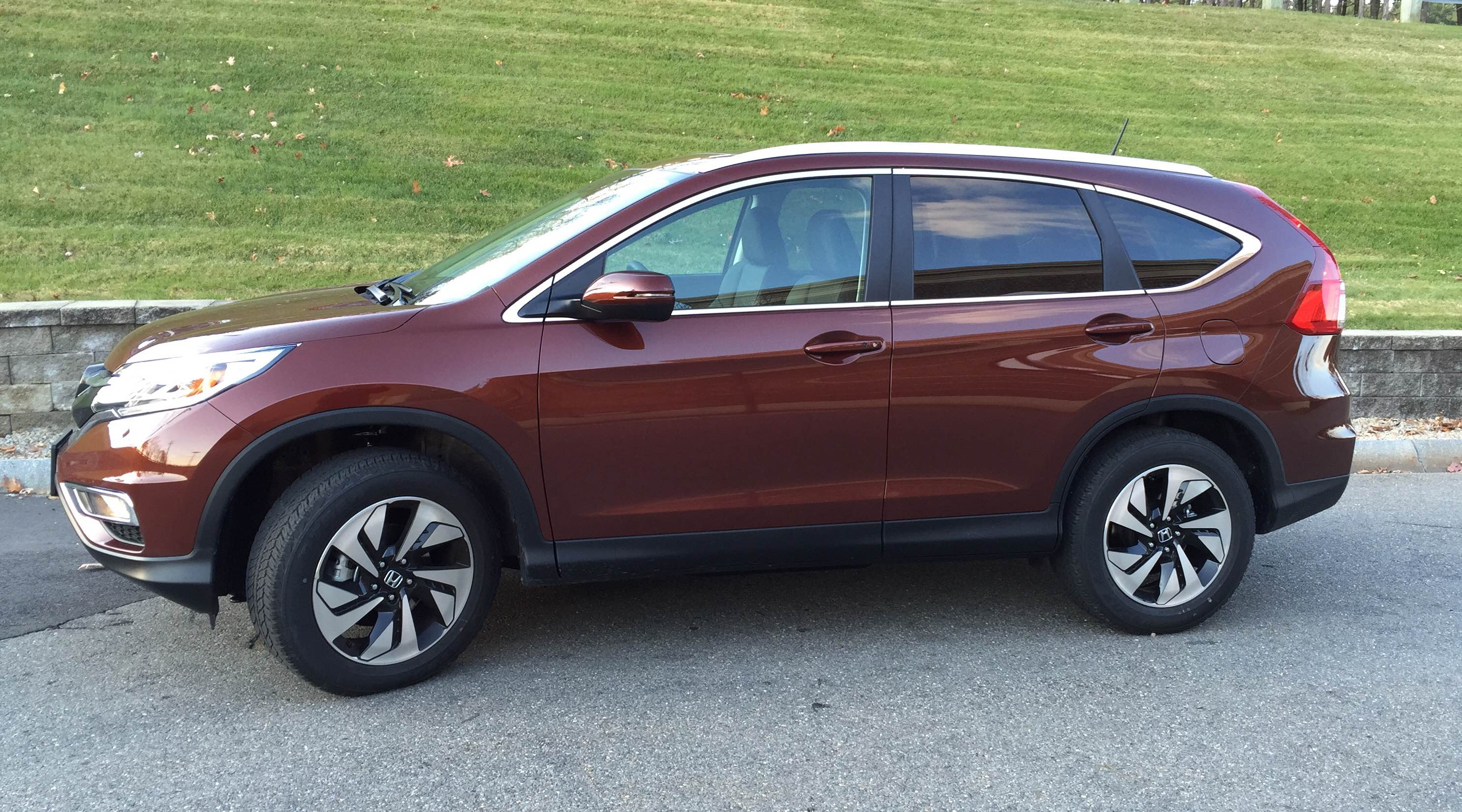 Honda Crv Used >> REVIEW: 2015 Honda CR-V Gets Updated Styling Inside and ...