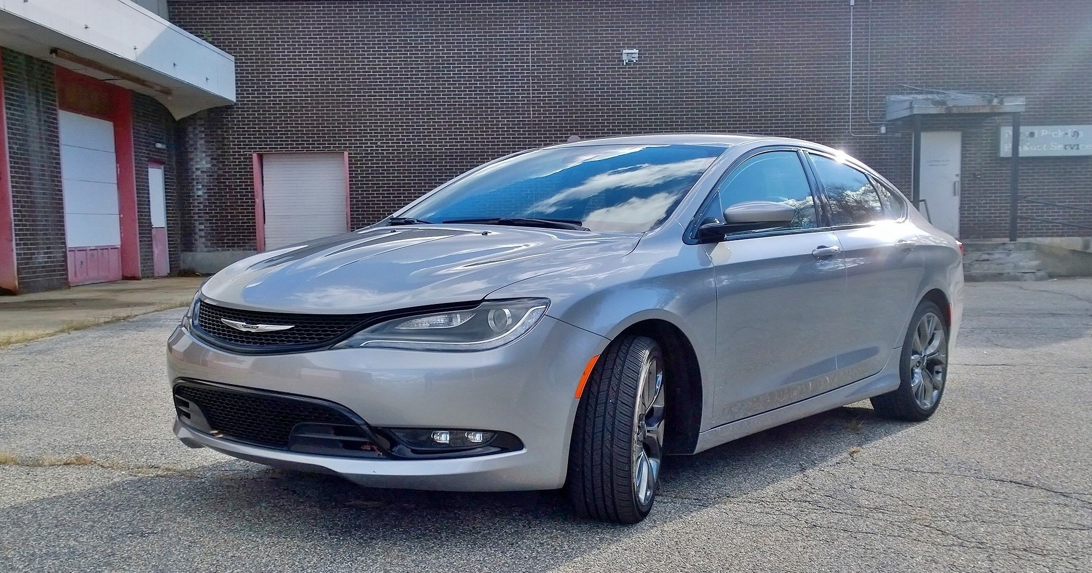 Chrysler 200 Front Quarter