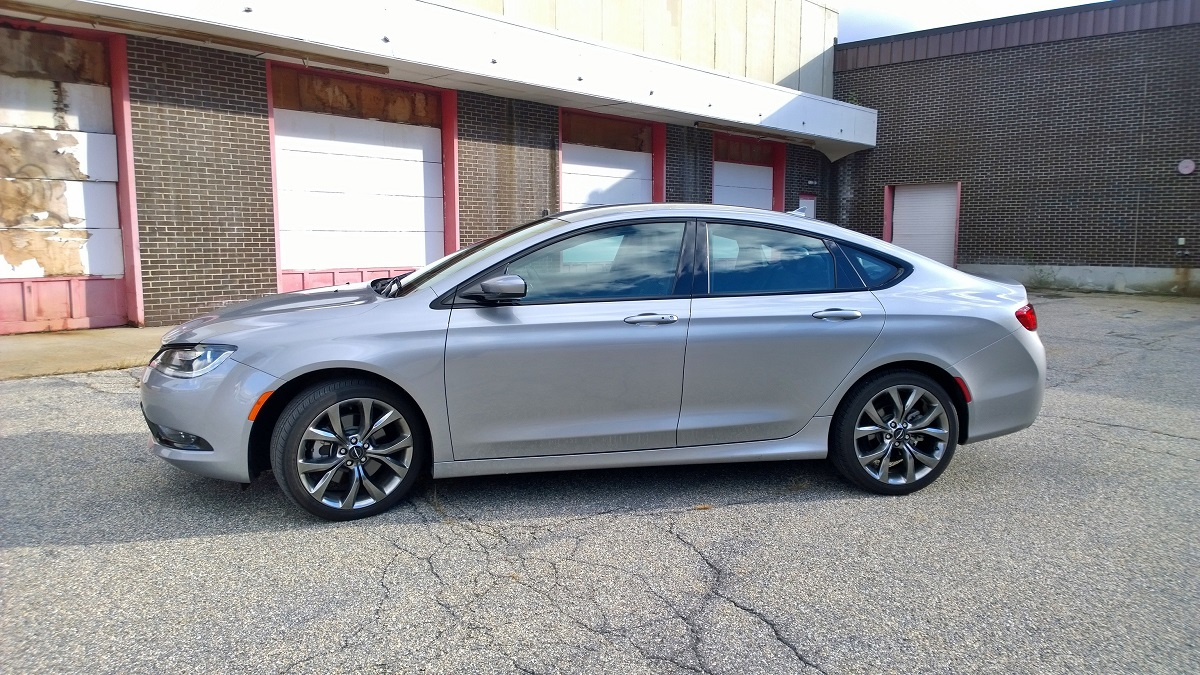 Chrysler 200 Profile