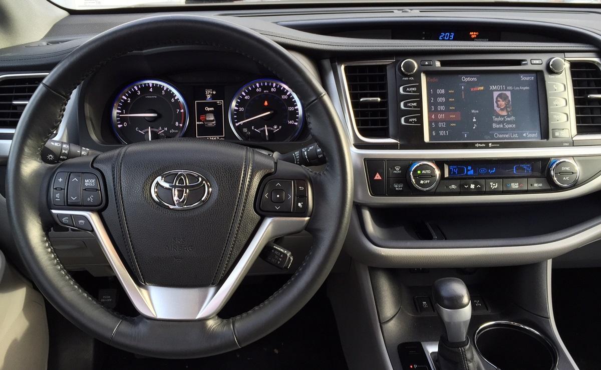 2014 Toyota Highlander Dash