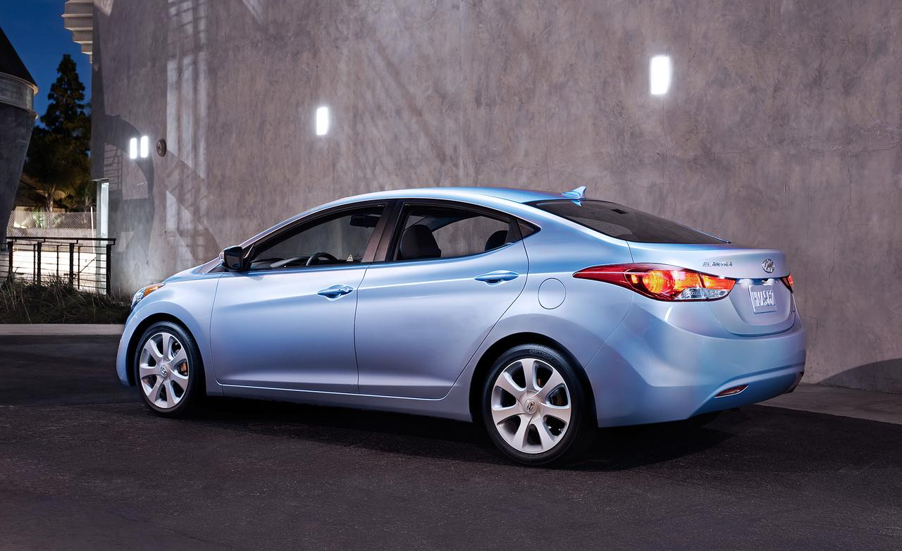 2014-hyundai-elantra-sedan-photo-540185-s-1280x782