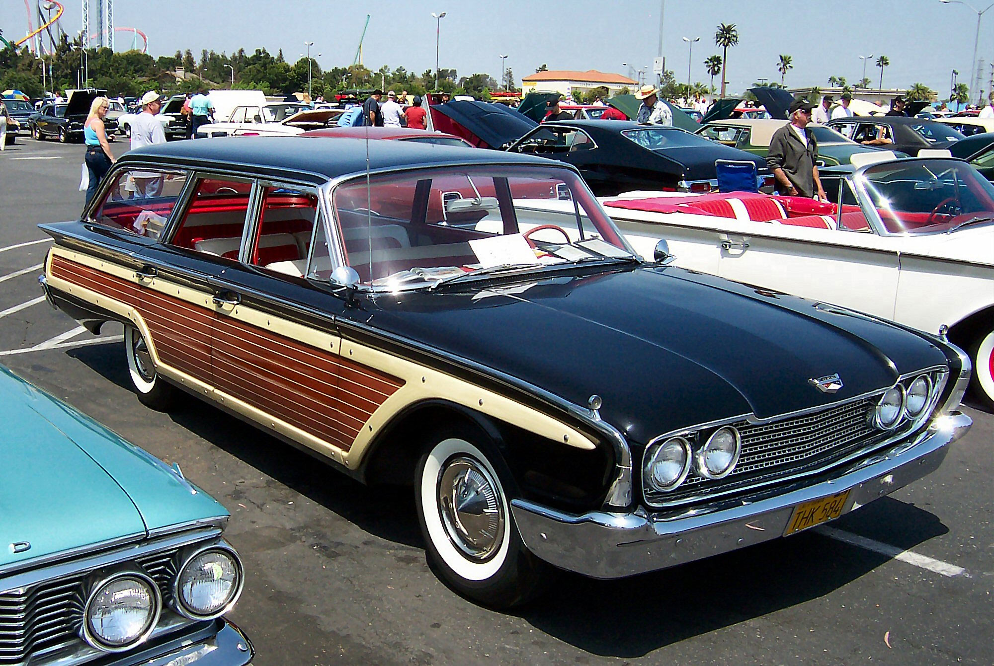 ford_country_squire_1960