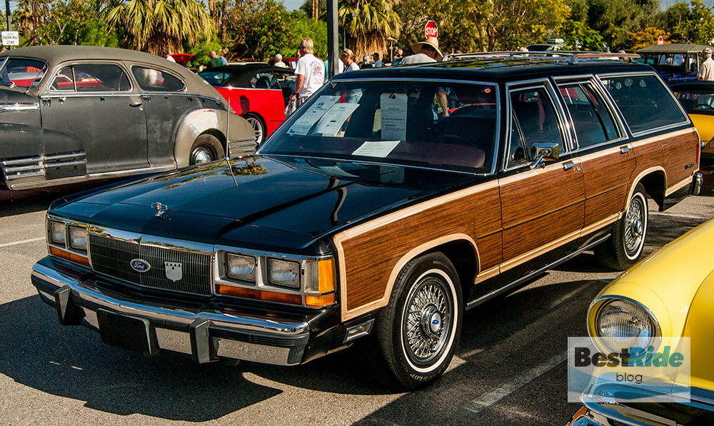 station_wagons_wood_siding-8