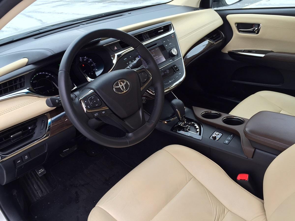 2014 Toyota Avalon Hybrid Dash