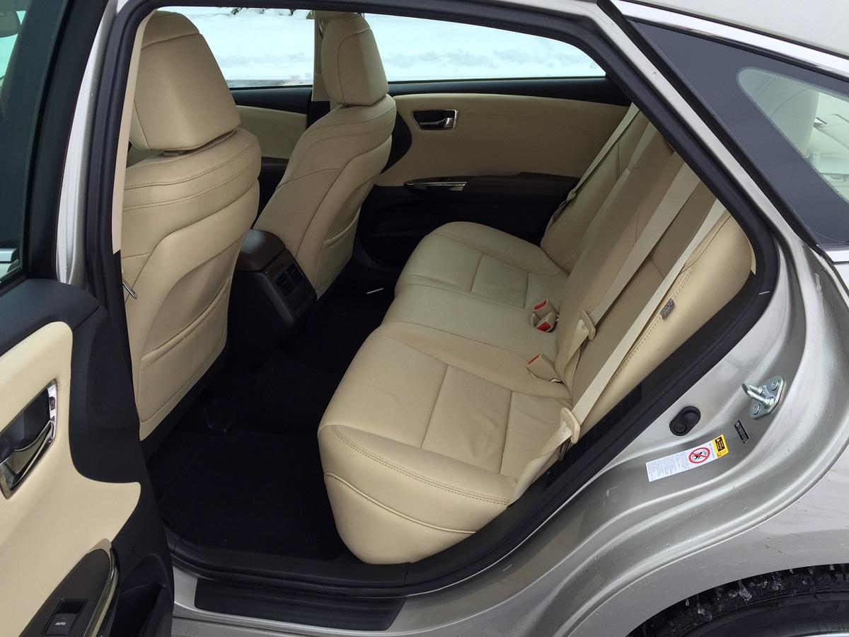 2014 Toyota Avalon Hybrid Seating