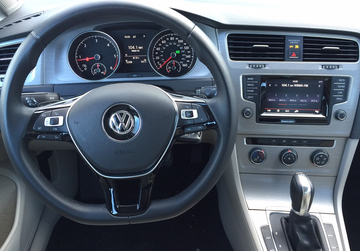2015 Volkswagen Golf TDI Controls