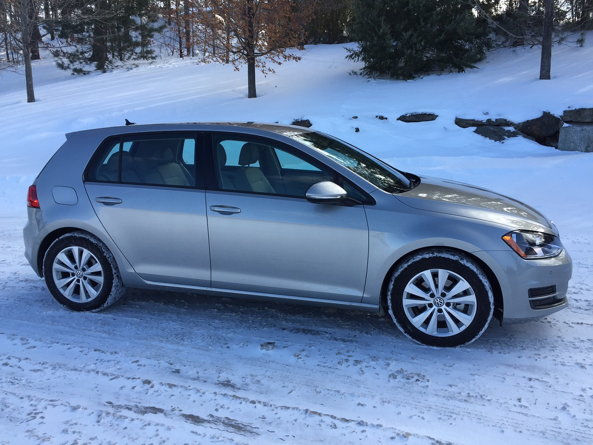 2015 Volkswagen Golf TDI Profile