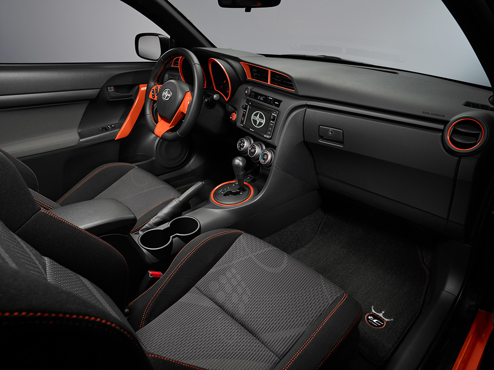 2015_Scion_tC_RS9_005
