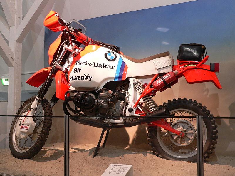 800px-ZweiRadMuseumNSU_BMW_Paris_Dakar