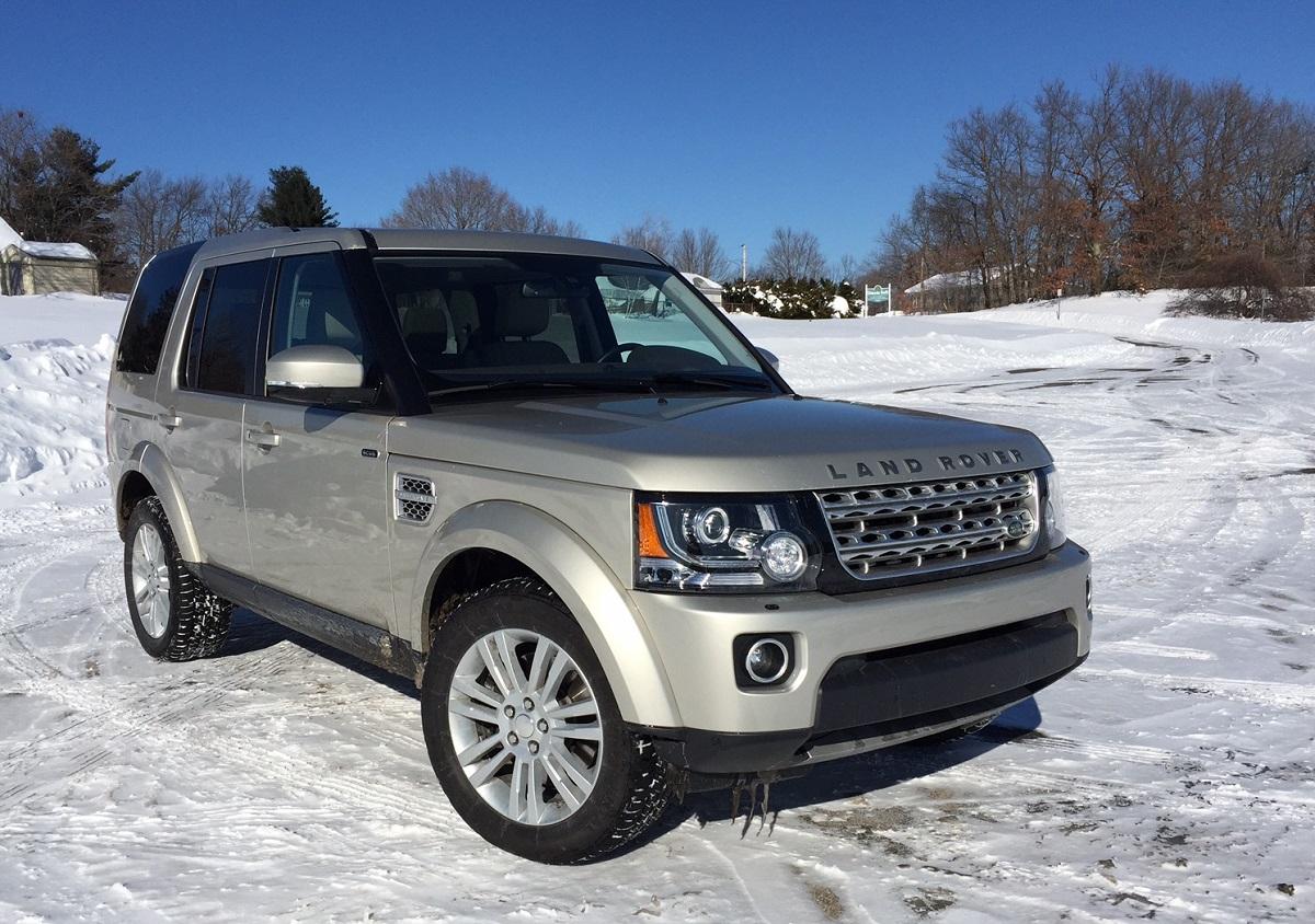 2014 Land Rover LR4 Front Quarter