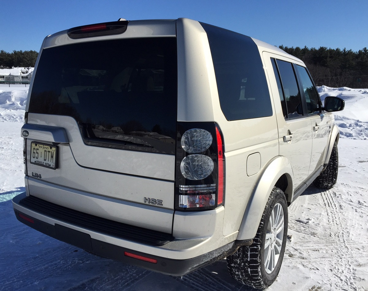 2014 Land Rover LR4 Rear Quarter