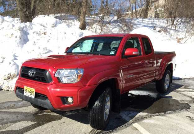 REVIEW: 2015 Toyota Tacoma Is Your Weekend Getaway Truck