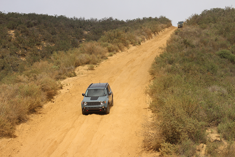 Jeep Renegade off-road photo