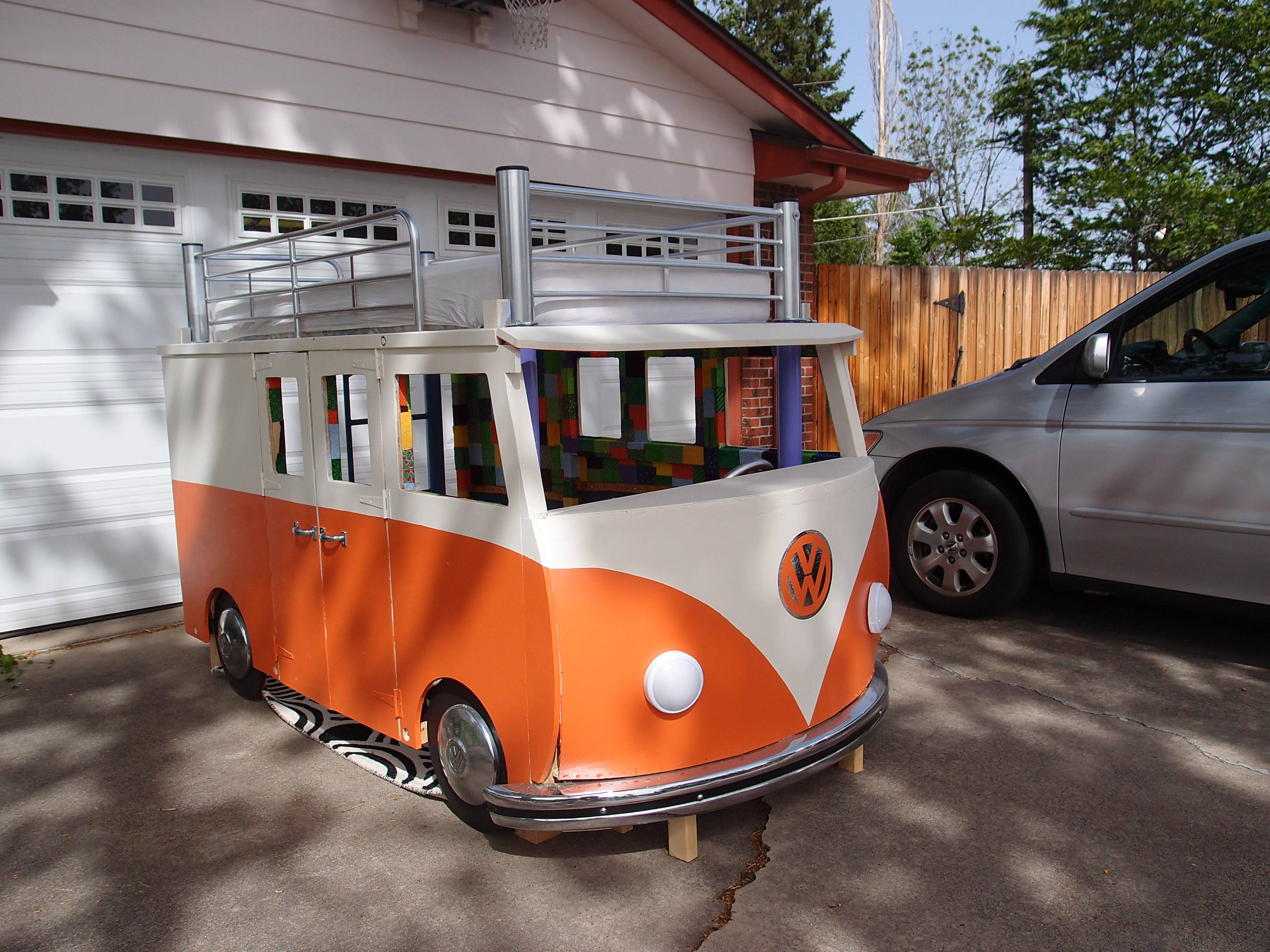 Brand new This Dude Built His Daughter a VW Microbus Bunk Bed for $100 and  TQ81