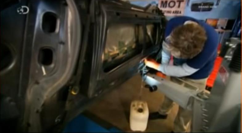 BMW Z1 repair Water jug