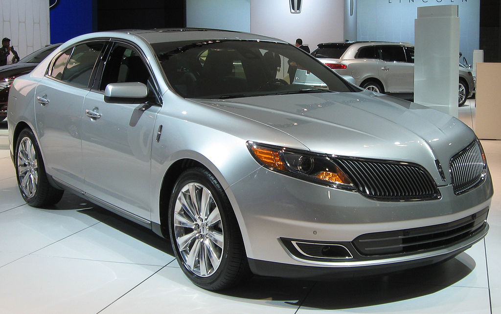 1024px-2013_Lincoln_MKS_--_2012_DC
